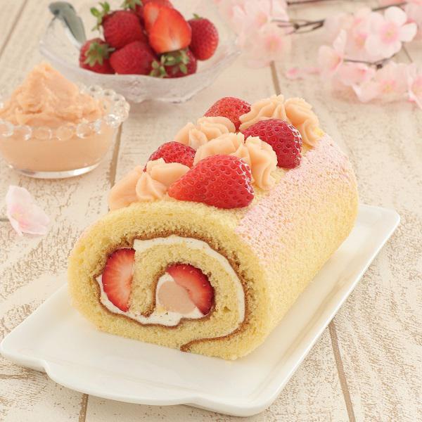 米粉のロールケーキ<br />「さくら香るあまおう」