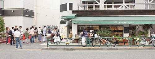 洋菓子行列.JPG