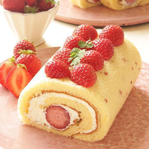 米粉のロールケーキ「春苺あまおう」(期間限定)