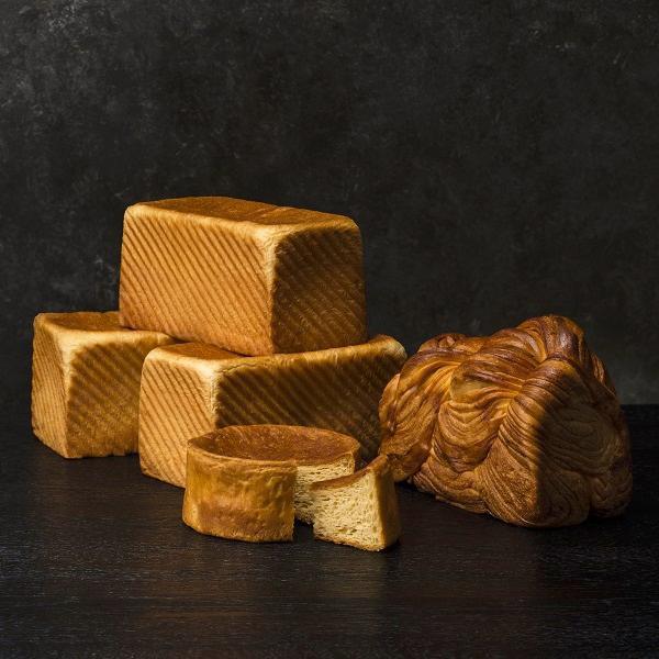 プレミアム食パン「麦と酪」