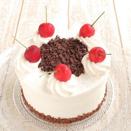 本店限定2021年6月サンクス・ケーキ「黒い森のさくらんぼケーキ」