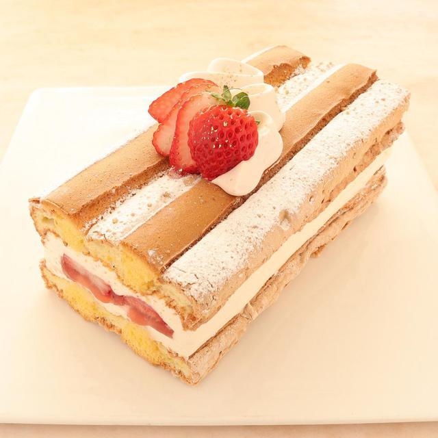 本店限定2021年5月サンクス・ケーキ「風薫る(かぜかおる)」